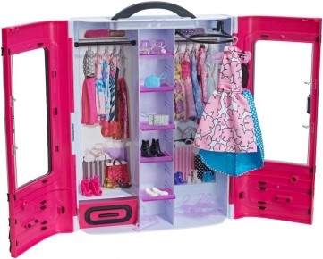 Dressing Barbie fashionista