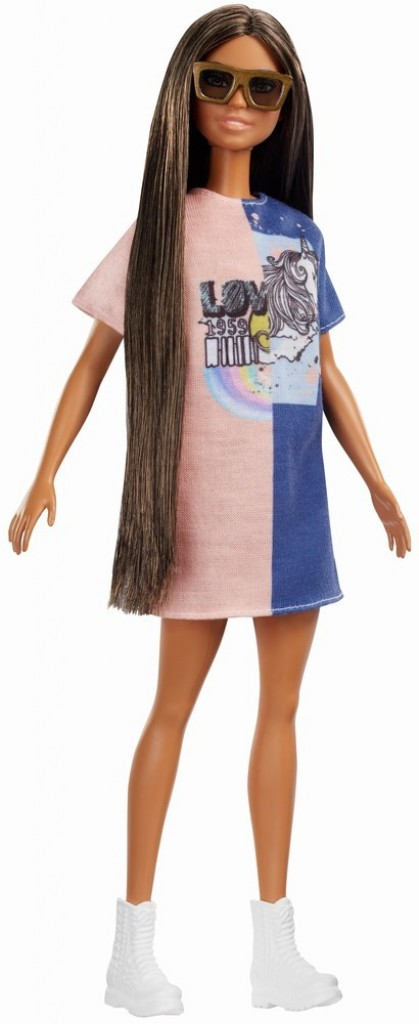 Papusa Barbie fashionista bruneta cu par lung