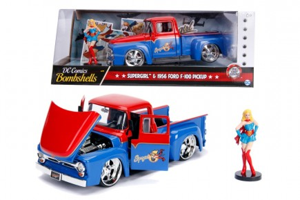 DC Comics Bombshells 1956 Ford Super Girl scara 1 la 24