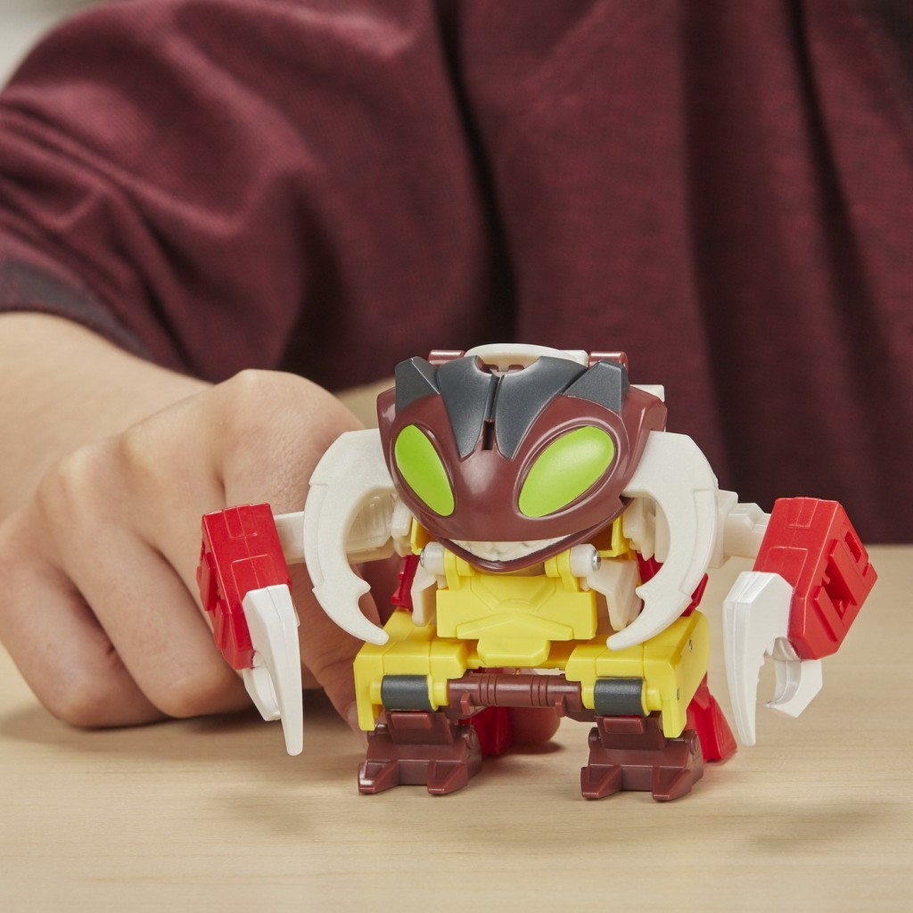 Tranformers Robot Vehicul Cyberverse 1 step Decepticon Repugnus